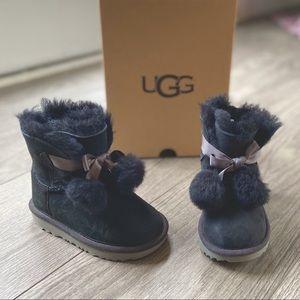 New with box UGG boots black Gita